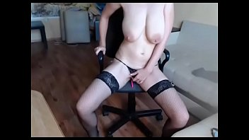 Milf lives show her big tits