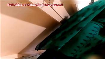 Indian Aunty in shop - Full video @ http://indianvoyeur.ml