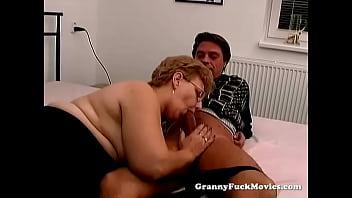 Xxx talian graanies - A fat granny has sex