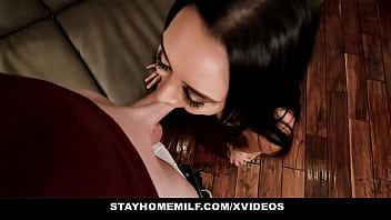 Maskless Young Mom (Lilly Hall) Blows Nosey Neighbor Outdoors - MYLF