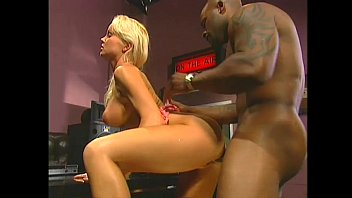 Silvia Saint: United Colors Of Ass 7