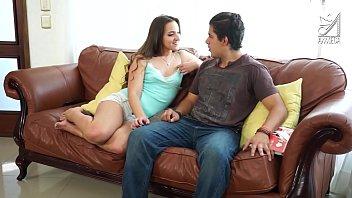 Braulios fode bigass dona de casa desesperada Amirah