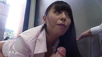 フェロモンがムンムン醸し出す完熟ムチムチボディの村上涼子さんが一本道人気シリーズ「働きウーマン」に女社長に扮して登場!   2