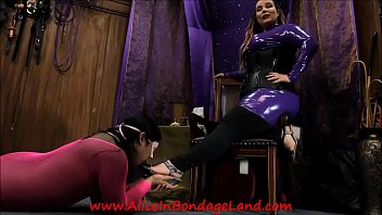 Transvestite erotic - Pedicure bargain - foot fetish mistress worship aliceinbondageland