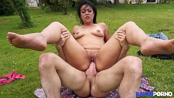 Free bbw porno photo galleries - Belle cougar beurette de la campagne enculee en plein air full video