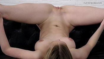 Lisa Tutoha super hot naked gymnast
