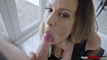 Desirous stepmom took a big hard penis for a breakfast
