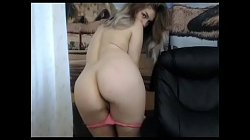 Stunning with amazing body free nude on cam