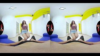 VRLatina - Pretty Teen But Super Horny - VR Experience