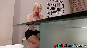 Girlfriends Blonde Stunner Stops Work For Some Solo Girl Fun