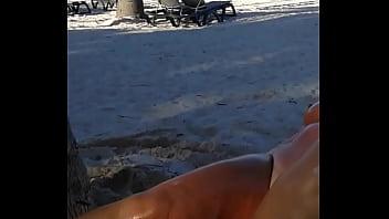 My slut wife is masturbating arrondissement people at the beach Vorschaubild