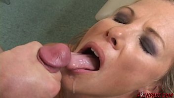 Kayla synz facial Kayla needs quick cash , she pays with perfect pussy
