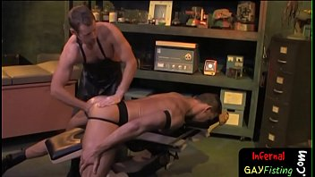 Bdsm hunk lubes up ass for extreme fisting