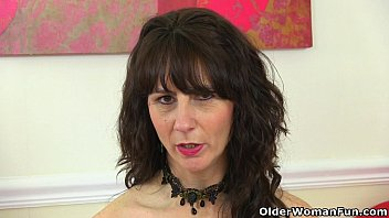 Sexy scottish woman Scottish milf toni lace will tell you how to wank it