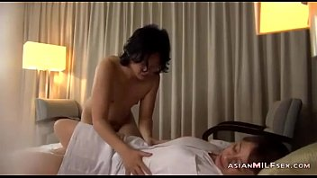 Mature Masseuse Licked Fingered Sucking Guy Fucked Getting Facial On The Bed In pornhub video