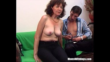 Mom having sex with son pics - Brunette hairy pussy mature couch fucked young cock
