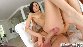Slim thug porno All internal hottie lina gets her holes filled in threesome