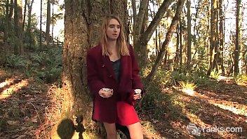 Yanks Cutie Chloe Randall Shows Her Assets
