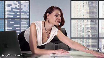 Downblouse at work — Boss flashing her tits and pussy porno izle