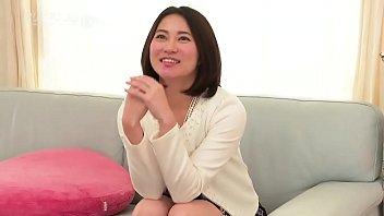 アメリさんちに遊びに行こう!~元芸能人のソファでびしょ濡れSEX~  1