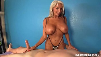 Mature massage essex - Milf offers cock massage extra to her massage