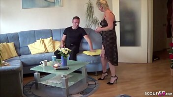Mature mom young boy sex stories German mother - deutsche mutter fickt den stief sohn von nebenan