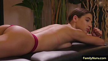 Beautifull Teen Detective Get Erotic Pussy Massage