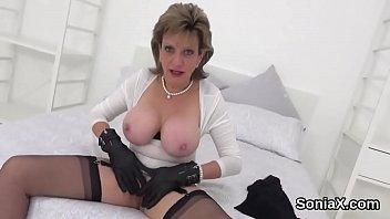 Unfaithful british milf lady sonia displays her giant tits