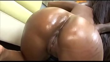 Black bottom club - Big oiled bottom ready to be dilated