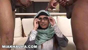 MIA KHALIFA - Big Tits Arab Po
