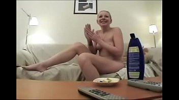 Δανέζα παίρνει τσιμπούκι και γαμιέται (24 min)