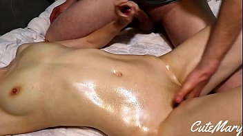 OIL MASSAGE FOR A COLLEGE GIRL UNTIL SHE CUMS AND CUMSHOT ON TITS