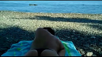 masturbandose en la playa
