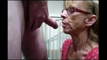 Grandma giving goog blowjob Grandma from epikgranny.com gives great blowjob