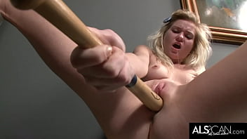 Tiny Tits Blonde Gets Off in Locker Room with Baseball Bat and Vibe 12分钟