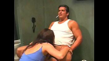 Pretty darkhaired floozie Amber Wood helps working stiff to blow off steam during his smokebreak at the public place of convenience