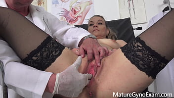 Horny mature woman old pussy exam - MatureGynoExam.com