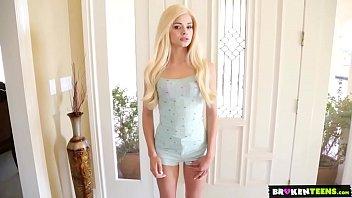 Elsa Jean Молодая Няня Заботится О Его Особых Потребностях