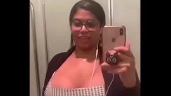 Hay sexy video - Quien es ella hay más videos