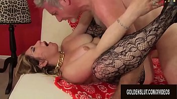 Kissing a womans ass - Curvy mature savannah jane takes an old dick for a joyride