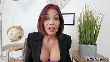 Milf horny for step duddy Ryder Skye in Stepmother Sex Sessions