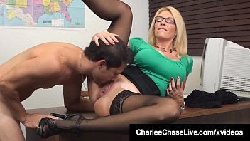 Sex Ed Teacher Charlee Chase Mouth & Pussy Fucks Student!