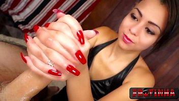 Latina handjob porn Essa bate gostoso e chupa também - polly petrova - frotinha porn star - -