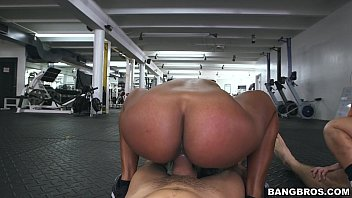 Orgy at the Gym with Fitness Sluts