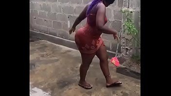 Mz booty in africa