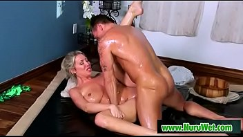 Met Over The Pond (Marcus London and Lexi Lowe) video-04