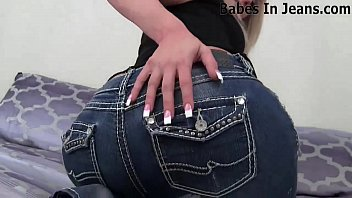 Singer of apple bottom jeans - I love these tight pussy hugging jeans joi