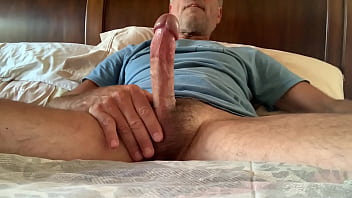 Daddy LongDucDong Wanking On Bed