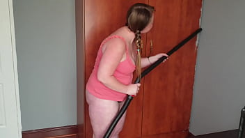 Big chubby whore vacuuming her fat pussy