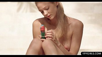 Cute sporty athlet spreads her long legs to deep dildo fisting